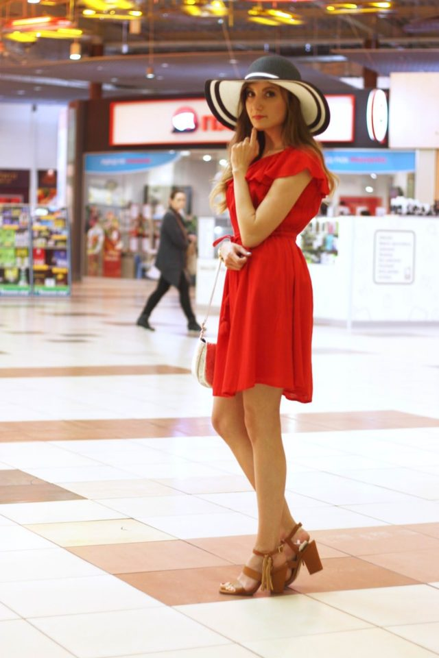 stylizacja z sukienka i kapeluszem (2)