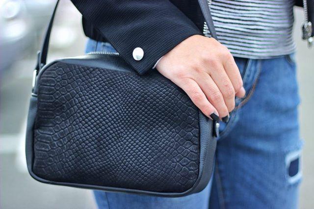 stylizacja-torebka-czarna
