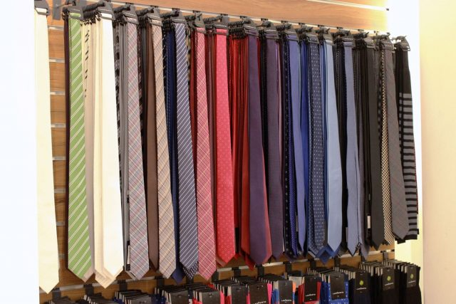 Krawaty Lanĉerto (79,90 zł – 100% poliester, 139,90 – 100% jedwab)