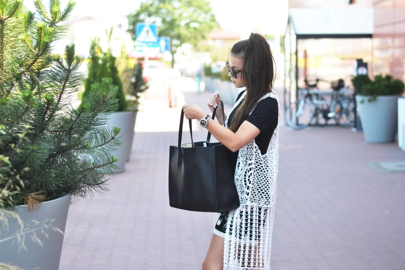 b50d6596e3 Wakacyjna stylizacja w czerni i bieli ⋆ Oshopping Blog