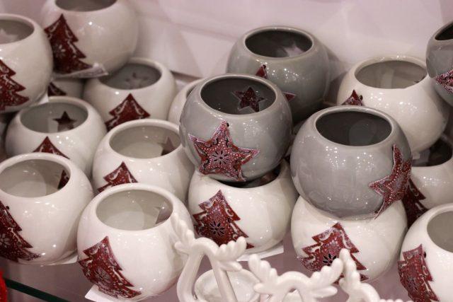 świecznik ceramiczny (ENGLISH HOME, 9,95 zł/ szt.)