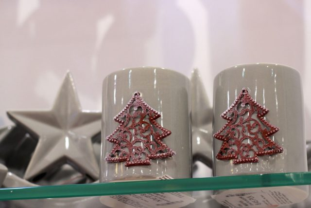 świecznik ceramiczny (ENGLISH HOME, 8,45 zł/ szt.)