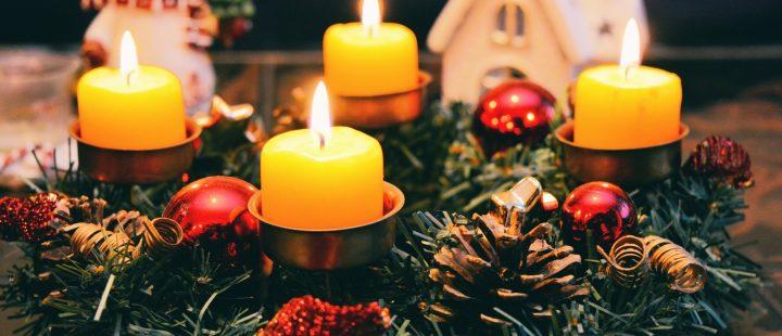 Ozdoby świąteczne, czyli jak wybrać doskonały stroik świąteczny