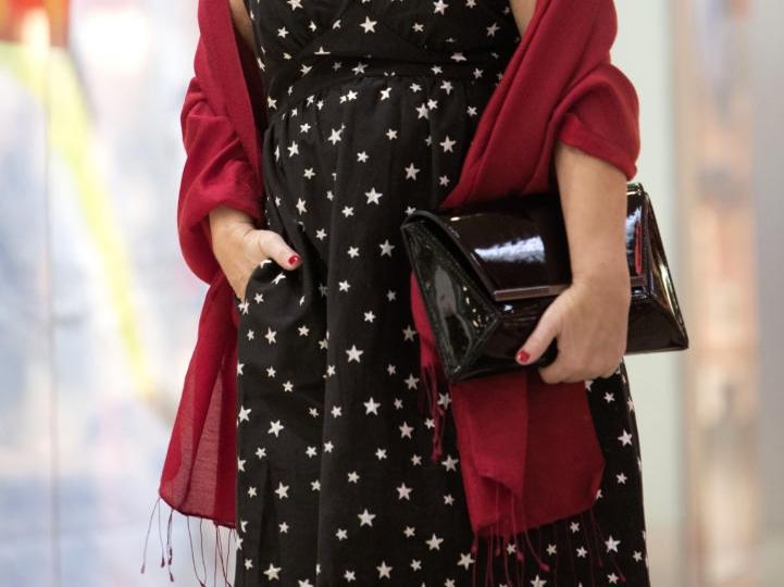 idealna sukienka na wigilię dla kobiety dojrzałej