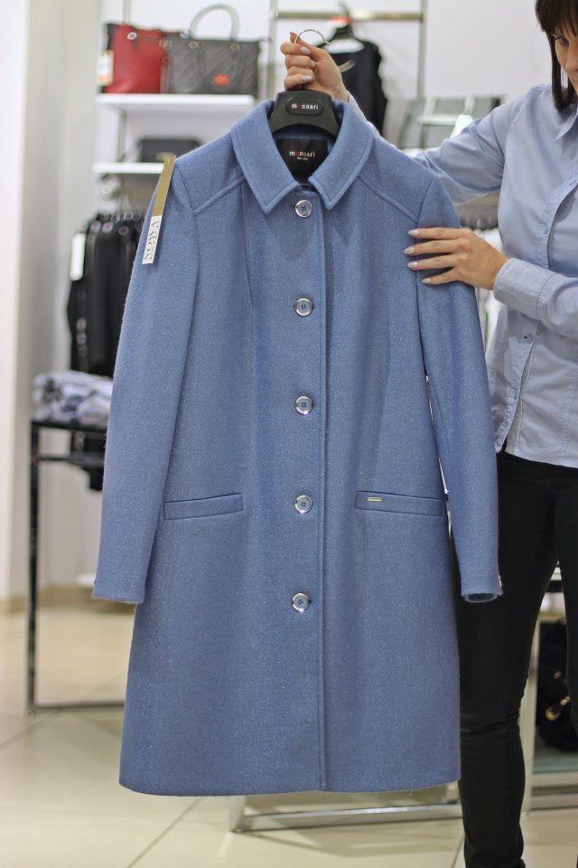 niebieski płaszcz zimowy monnari