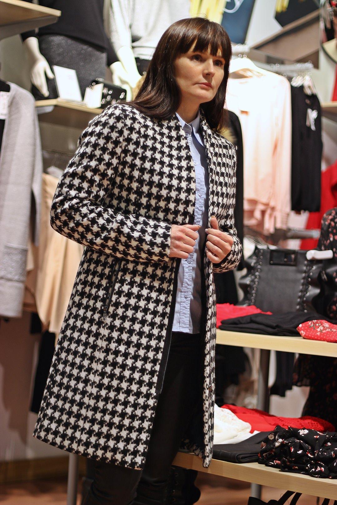 f4d8c60c5e zimowy płaszcz damski orsay w pepitkę