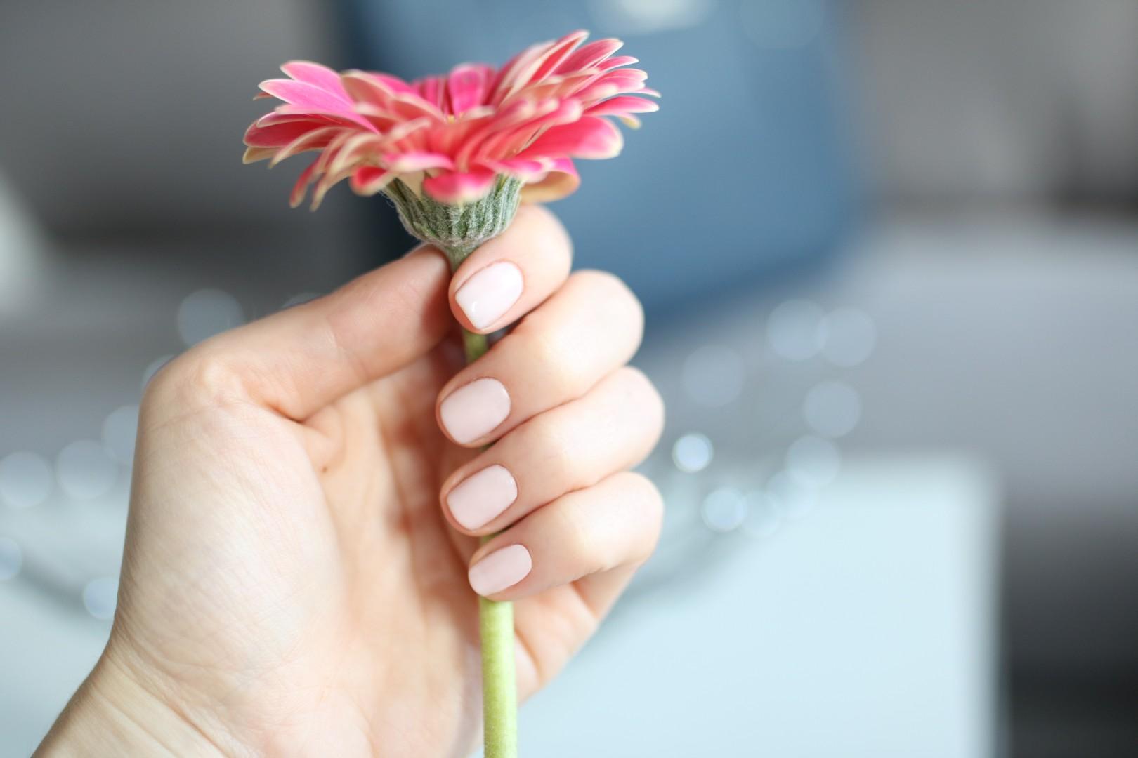 5 propozycji na wiosenne paznokcie hybrydowe