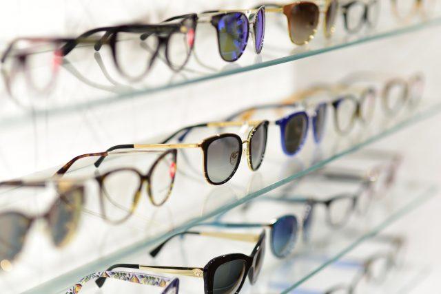 okulary przeciwsłoneczne jak dobrać