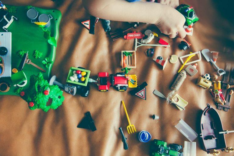 5 pomysłowych zabaw dla dzieci w domu!