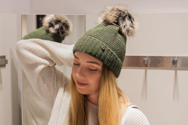 jesienna czapka damska