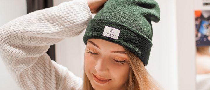 damska czapka jesienna