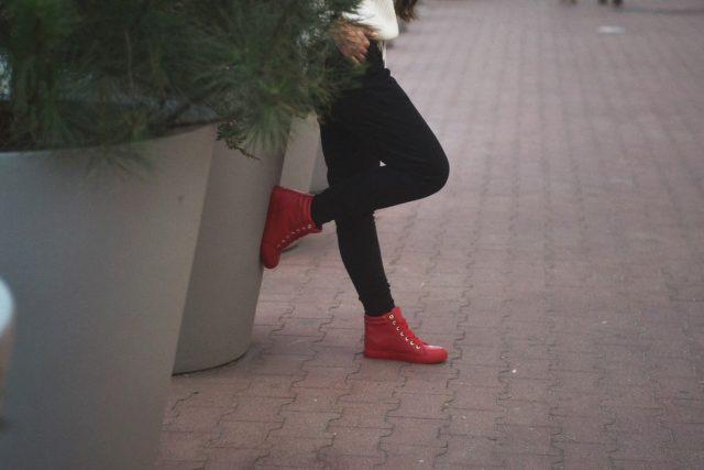 spodnie dresowe damskie tanie