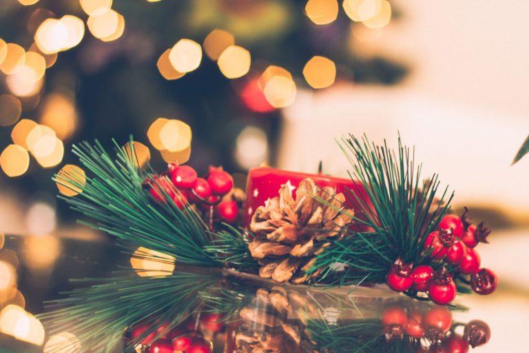 Ozdoby świąteczne i bożonarodzeniowe – jak udekorować mieszkanie?