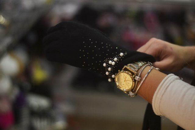 eleganckie rękawiczki damskie z perełkami