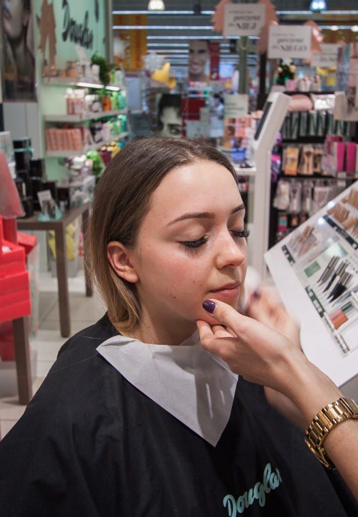 przygotowanie skóry do makijażu wieczorowego