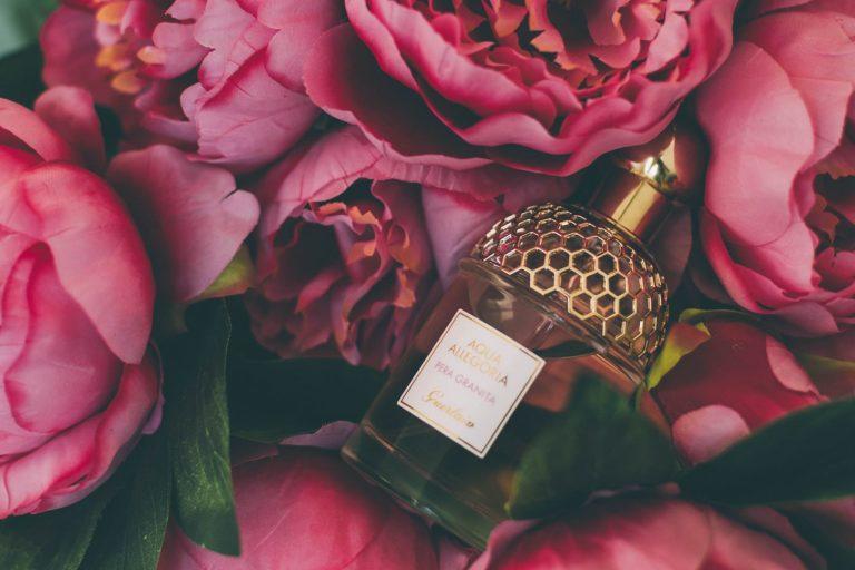 TOP 5 damskich i męskich perfum na randkę