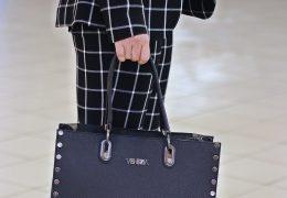 stylizacja do pracy - garnitur damski w krate