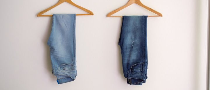 ponadczasowe jeansowe spodnie