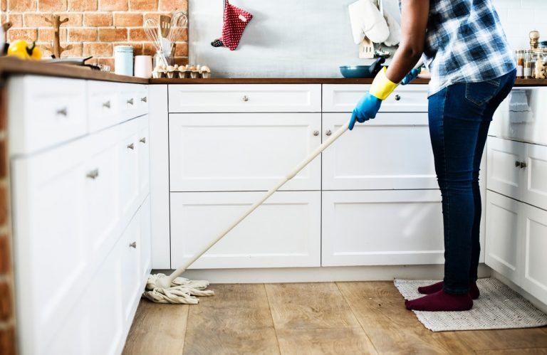 Jak szybko posprzątać mieszkanie czyli porządki w domu