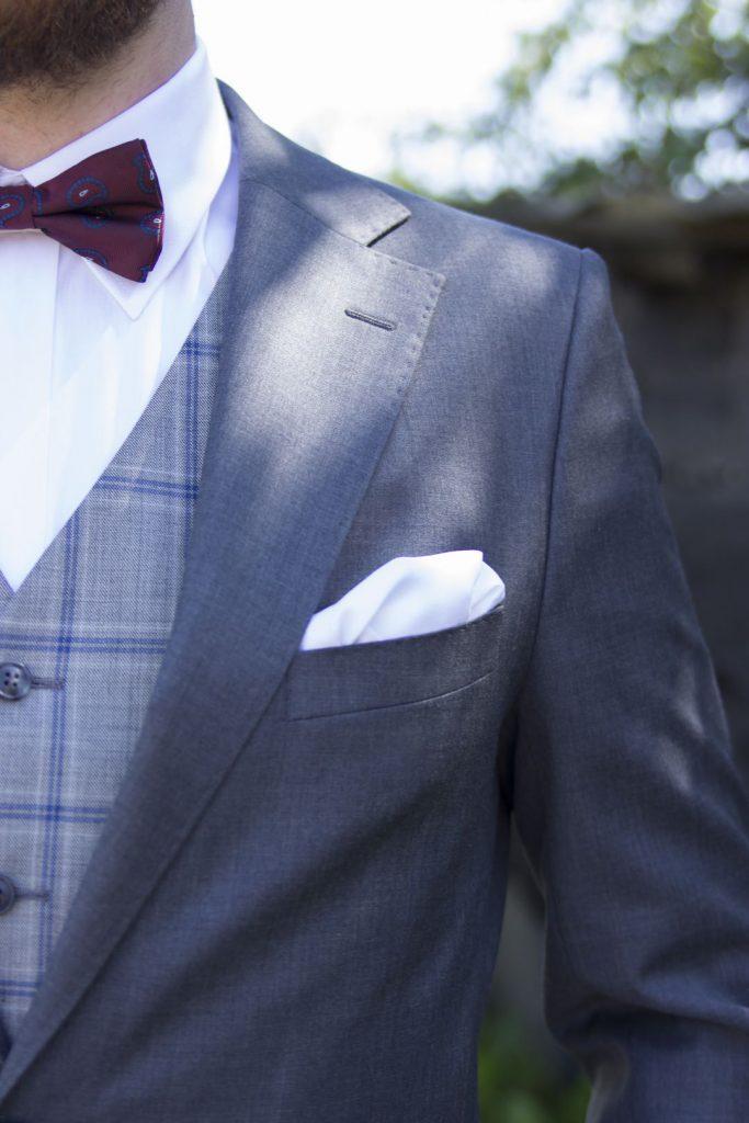 szary grafitowy garnitur na ślub