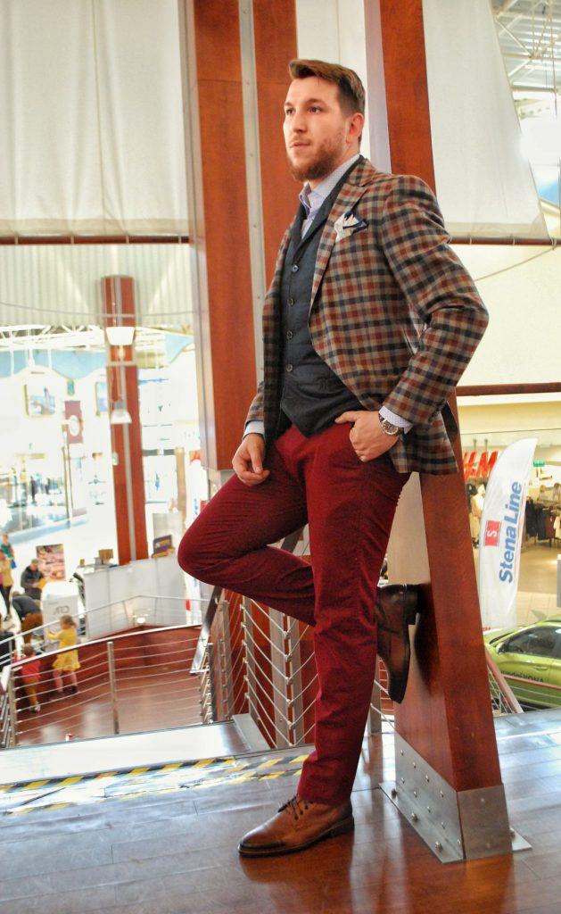 elegancki mężczyzna trendy jesień