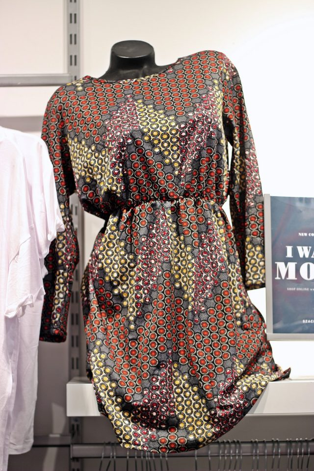 sukienka we wzory jesień 2019