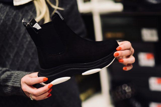 Buty wciągane – CCC cena 299,99 zł