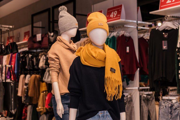 Szaliki, rękawiczki i nauszniki zimowe damskie. Dodatki do stylizacji.