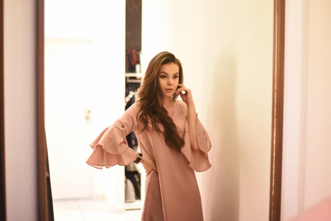 sukienka na impreze różowa pastelowa
