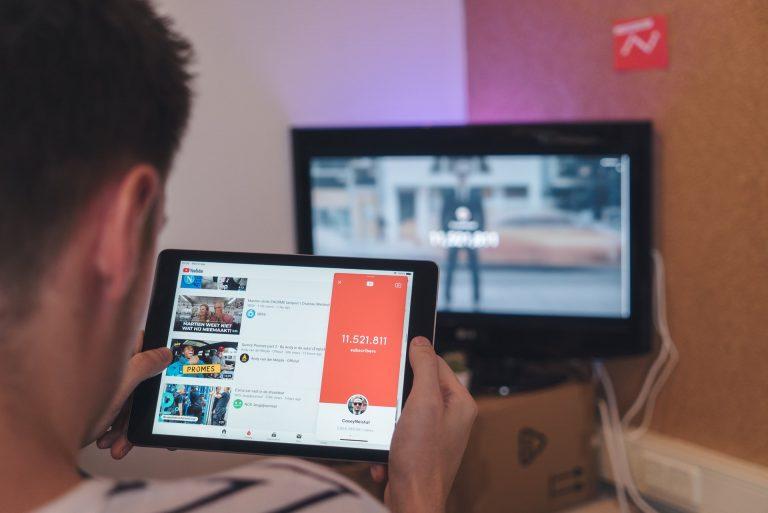 Wartościowe i ciekawe kanały na Youtube – co warto oglądać