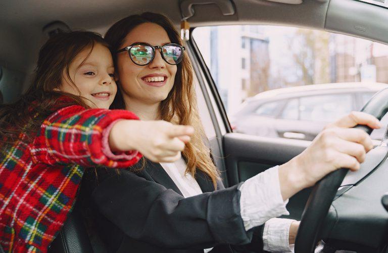 Jak dbać o samochód gdy mamy dziecko w aucie? 5 sprawdzonych sposobów
