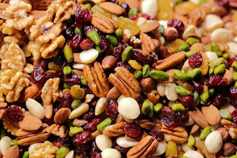 Które orzechy i nasiona są najzdrowsze i ile warto ich jeść?